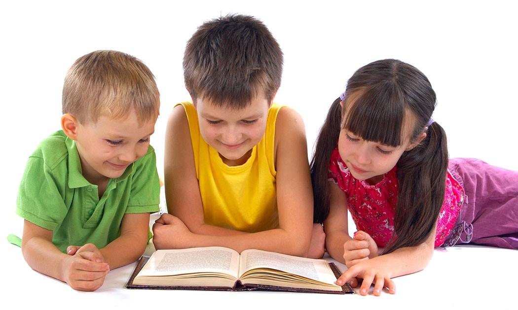 Știi cum să-ți faci copilul să iubească cititul?
